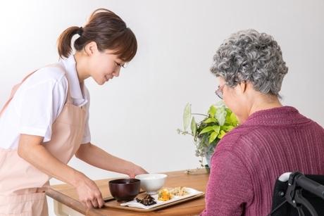 有料老人ホーム介護スタッフ(日勤) 時給1,700円!派遣労働ですので残業代も全額125%支給です